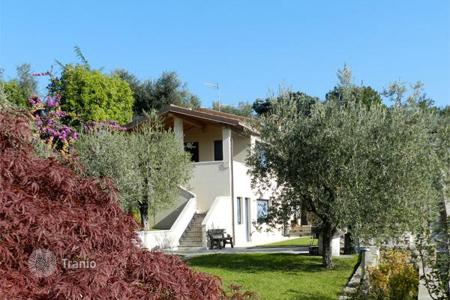 Houses for sale in Salò. Villa – Salò, Lombardy, Italy
