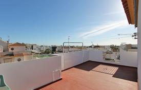 "4 bedroom houses for sale in Valencia. Torrevieja, Aguas Nuevas Urb. ""Miramar VI"". Townhouse of 124 m² plus extensions"
