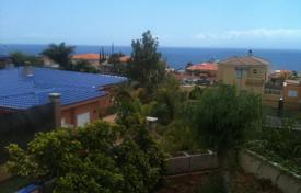 Townhouses for sale in Tenerife. Terraced house – Puerto de Santiago, Canary Islands, Spain