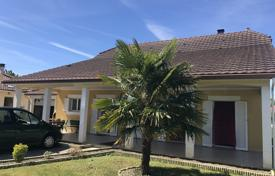 Residential for sale in Pau. Modern villa with a spacious garden and a garage, in a small village, 10 minutes drive from Pau, France