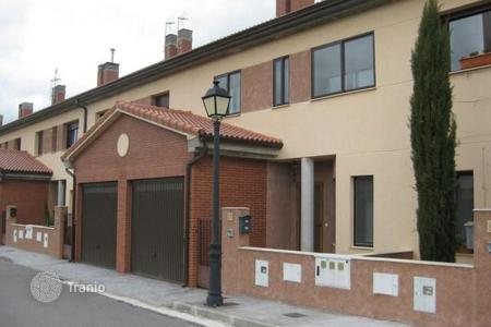 Foreclosed 4 bedroom houses for sale in Castille and Leon. Villa – Segovia, Castille and Leon, Spain