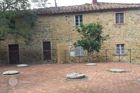 Houses for sale in Arezzo. Villa - Arezzo, Tuscany, Italy