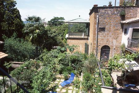 Property for sale in Umbria. Noble Apartment in the historic centre of Orvieto