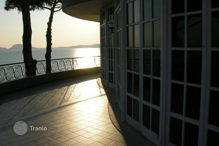 Apartments with pools by the sea for sale in Formia. Apartment - Formia, Lazio, Italy