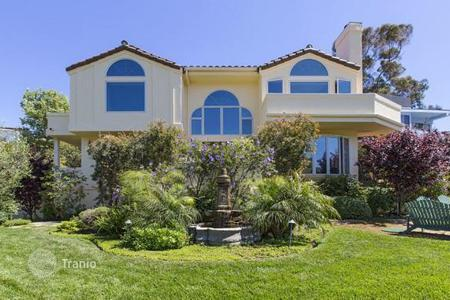 Luxury 3 bedroom houses for sale in North America. Mediterranean house in Malibu