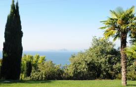 Villas and houses to rent in Garda. Villa Karin
