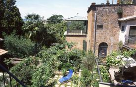 2 bedroom apartments for sale in Umbria. Noble Apartment in the historic centre of Orvieto