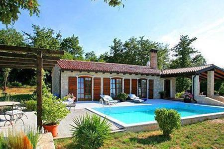3 bedroom houses for sale in Croatia. Luxury property in the vicinity of Rovinj