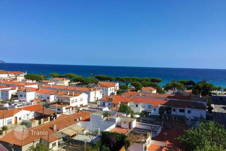 Cheap apartments for sale in Catalonia. Apartment – Blanes, Catalonia, Spain