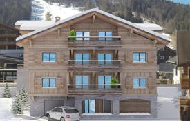 4 bedroom apartments for sale in Auvergne-Rhône-Alpes. Comfortable apartment with a balcony, in a new residence, close to ski lifts and slopes, Morzine, Alpes, France