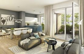 Residential for sale in Hessen. Four-room apartment with a rooftop terrace in a residential complex under construction, Frankfurt am Main, Germany