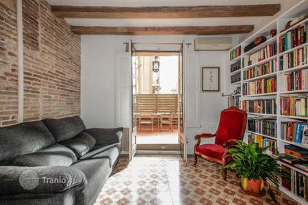 1 bedroom apartments for sale in Barcelona. Comfortable apartment with a terrace, Barcelona, Spain