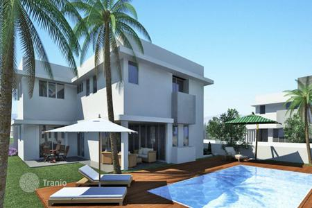 4 bedroom houses for sale in Aradippou. Four Bedroom Luxury Villas