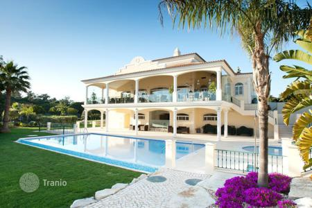 Townhouses for sale in Portugal. Terraced house - Almancil, Faro, Portugal