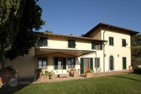 Luxury property for sale in Prato. Villa – Prato, Tuscany, Italy