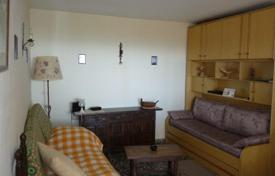 2 bedroom apartments by the sea for sale in Catalonia. Sea view apartment, Cambrils, Spain