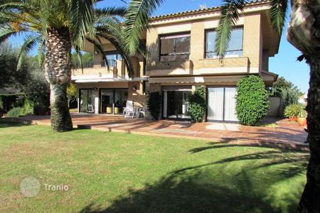 Luxury 4 bedroom houses for sale in Costa Brava. Villa – Lloret de Mar, Catalonia, Spain