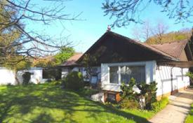 4 bedroom houses for sale in Bavaria. Cozy house with a garden and a garage, Starnberg, Germany