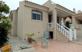 3 bedroom houses for sale in Algorfa. Villa of 3 bedrooms with garden and large terrace in the quiet residential area of Algorfa