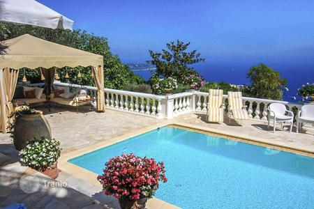 Houses for sale in Beausoleil. Spacious villa with panoramic views of Monaco