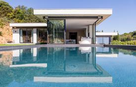 Luxury houses for sale in La Croix-Valmer. Close to Saint-Tropez — Panoramic sea view