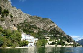 Property for sale in Lombardy. Hotel with private beach and swimming pool near the lake in Limone del Garda