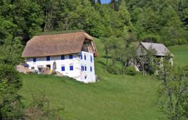 Property for sale in Tolmin. This will be a superb thatched property in a wonderful area with great views and tranquil scenery all around