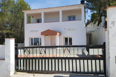 Foreclosed 3 bedroom houses for sale in Catalonia. Villa – Barcelona, Catalonia, Spain