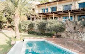 Luxury villas and houses for rent with swimming pools in Ibiza. Luxury villa with a pool, a private beach and sea views, Ibiza, Spain