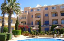 Coastal property for sale in Tomb of the Kings. Three Bedroom Apartment