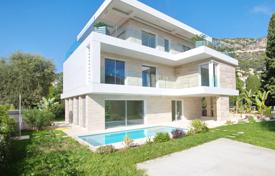 BRAND NEW HOUSE IN TOWN WITH POOL, AT 2 STEPS FROM PORT AND BEACHES for 5,950,000 €