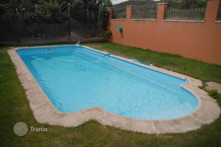 Property to rent in Castille La Mancha. Detached house – Guadalajara, Castille La Mancha, Spain
