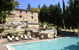 Property to rent in Asciano. Villa – Asciano, Tuscany, Italy