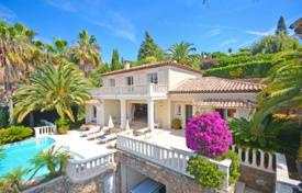 Luxury 4 bedroom houses for sale in Vallauris. Villa – Vallauris, Côte d'Azur (French Riviera), France