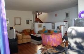 Residential for sale in Arenzano. Villa with natural stone facade, with a terrace and a beautiful garden overlooking the sea, Arenzano, Liguria, Italy