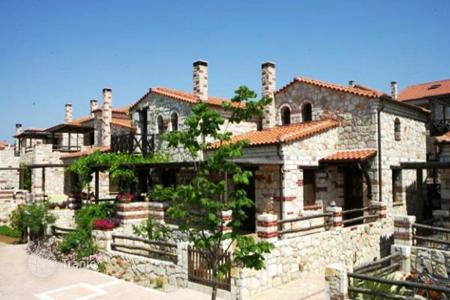 Property for sale in Ormylia. Villa - Ormylia, Administration of Macedonia and Thrace, Greece