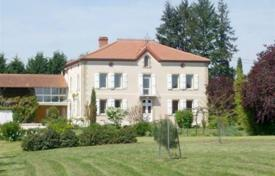 Property for sale in South - Pyrenees. Delightful Manor house completely renovated