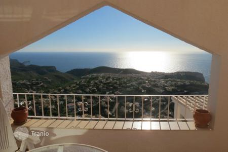 Coastal property for sale in Cumbre. Apartment of 2 bedrooms with pool and panoramic sea views in Benitachell