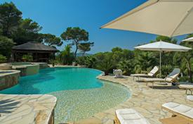 Villas and houses to rent in Mougins. Incredible Modern Villa Mougins