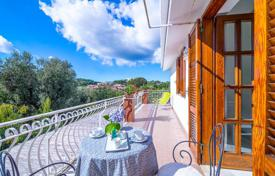 4 bedroom houses by the sea for sale in Italy. MASSA LUBRENSE- S. Agata sui due Golfi — Central, residential context of value, offer for sale char[…]