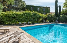 Property for sale in Bouches-du-Rhône. Close to Aix-en-Provence — Elegant Bastide