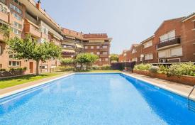 Coastal townhouses for sale in Catalonia. Terraced house – Vilassar de Mar, Catalonia, Spain