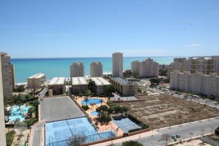 3 bedroom apartments by the sea for sale in El Campello. 3 bedroom apartment with sea views, big sunny terrace walking distance to Muchavista beach in Campello