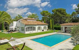 5 bedroom houses for sale in Mougins. Mougins — Gated domain