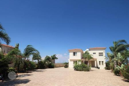 4 bedroom houses by the sea for sale in Protaras. 4 Bedroom Villa with Sea views in Protaras