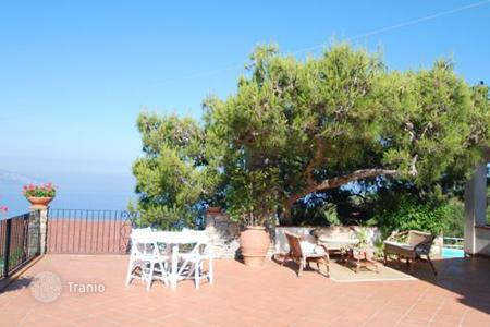 Villas and houses to rent in Amalfi. Il Pozzo