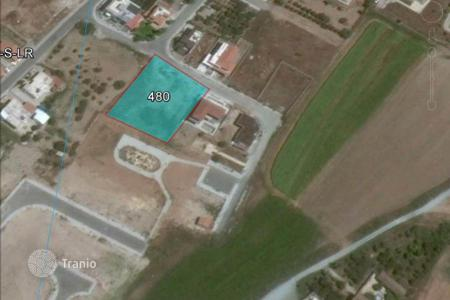Property for sale in Dromolaxia. Building Land