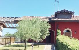 Houses with pools for sale in Italy. Villa with garden in 2 km away from Adriatic seashore, Rimini, Italy