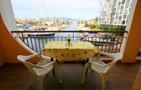 3 bedroom apartments by the sea for sale in Empuriabrava. Very beautiful apartment with 3 bedrooms and 2 balconies near the fantastic beache of Empuriabrava