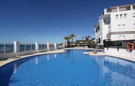 2 bedroom apartments for sale in Costa del Sol. Beach apartment on frontline beach complex